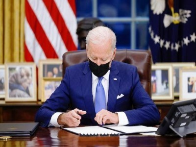 Biden admn introduces ambitious immigration bill in Congress;Indian IT professionals to be benefited