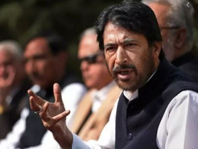 بی جے پی سرکار ٹیکس پر ٹیکس لگا کر لوگوں کو خوف زدہ کر رہی ہے: غلام احمد میر