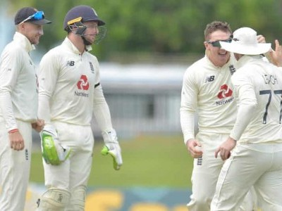 England's Bess, Broad dismiss Sri Lanka for 135 in 1st Test