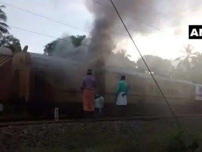 Fire in parcel van of Malabar Express in Kerala; None injured