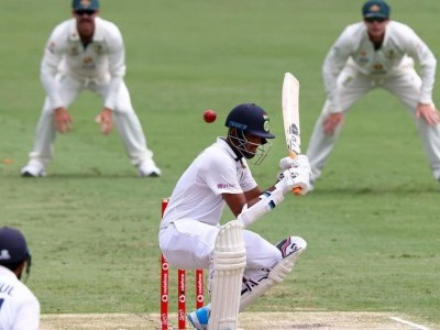 India 253/6 at tea, trail Australia by 116 runs on 3rd day