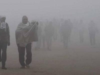 دہلی سمیت شمالی ہندوستان میں سردی اور کہرے سے کسی طرح کی راحت کی امید نہیں
