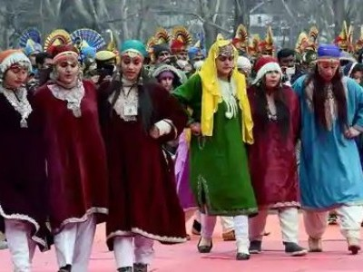 کشمیر: سخت سیکورٹی بندوبست کے درمیان یوم جمہوریہ تقریب منعقد