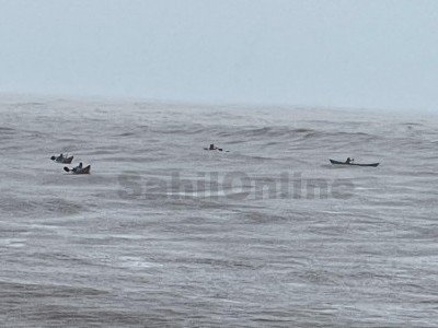 More than 40 fishermen rescued by another boats in Nastar beach, Bhatkal Arabian sea