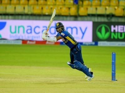 Dhananjaya, Karunaratne star as SL defeat India in 2nd T20I to level series