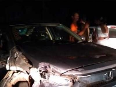 منگلورو : سلسلہ وار حادثہ میں موٹر گاڑیوں کو پہنچا نقصان ۔ ایک شخص ہوا شدید زخمی