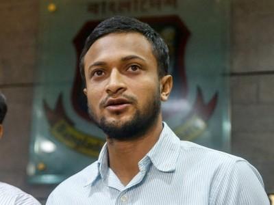 شکیب الحسن کو ملی 'بدتمیزی' کی سزا، 3 میچوں کے لیے لگی کھیلنے پر پابندی