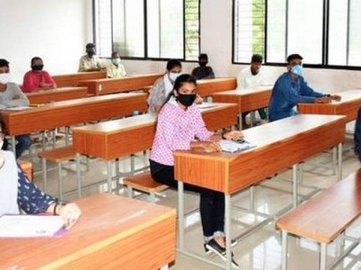 کرناٹک میں پی یو سی نتائج کے اعلان پر روک؛رپیٹرس کو پاس کرنے کی عدالت سے درخواست
