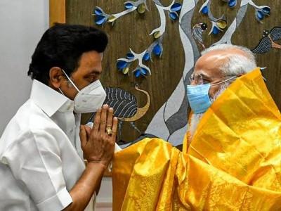 Stalin meets PM Modi,seeks more COVID-19 vaccine doses for TN