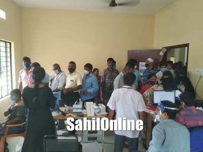 Anger grips among people after they were sent back following shortage of vaccines in Bhatkal
