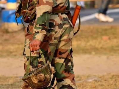 سری نگر: فوجی جوان کی مبینہ خود کشی کی کوشش، اسپتال منتقل