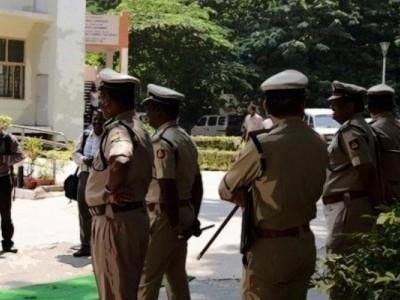 منگلورو: ضبط شدہ لگژری کار فروخت کرنے کی تحقیقات میں پیش رفت۔  دو پولیس افسران معطل