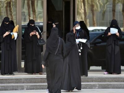 اسلحے استعمال کے مساوی حقوق کے تحت سعودی خواتین کی فوج میں بھرتی