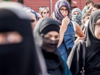 سوئزر لینڈ میں نقاب پر پابندی کی بات کو ایمنسٹی انٹر نیشنل نے مسترد کر دیا