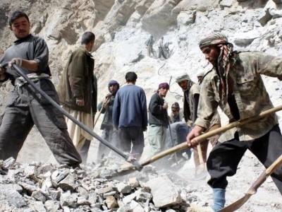 افغانستان: برفانی تودے گرنے سے کم ازکم 14 افراد ہلاک، متعدد لاپتا
