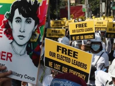 امریکہ نے میانمار کے ایک ارب ڈالر کے اثاثے منجمد کر دیے