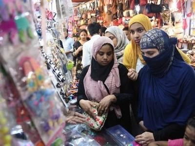 عید کی خریداری ، دوسروں کے گھروں میں بھی خوشیاں ضرور پہنچیں ۔۔۔۔از: محمد نفیس خان ندوی