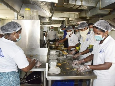 Karnataka announces free meals thrice a day for migrant workers and poor at govt-run Indira canteens