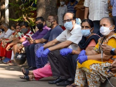 Karnataka: People asked not to visit vaccination centres before 12 weeks of Covishield jab