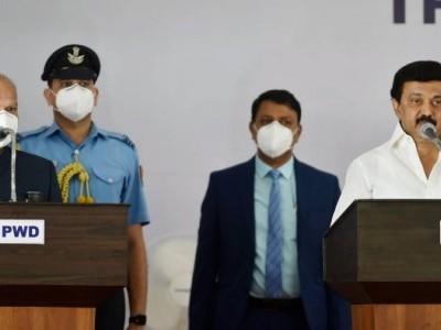ڈی ایم کے چیف ایم کے اسٹالن نے پہلی بار تمل ناڈو کے وزیر اعلی کی حیثیت سے لیا حلف