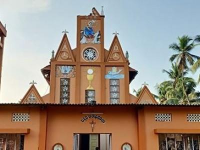 منگلورو: بجلی گرنے چرچ کی عمارت کو پہنچا نقصان
