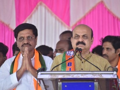 'Achche Din' will not dawn upon Siddaramaiah in Cong: Bommai