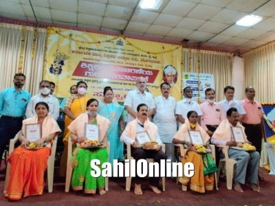 Teachers were felicitated on Teachers' Day in Yellapur